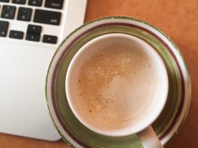コーヒーで休憩するイメージ