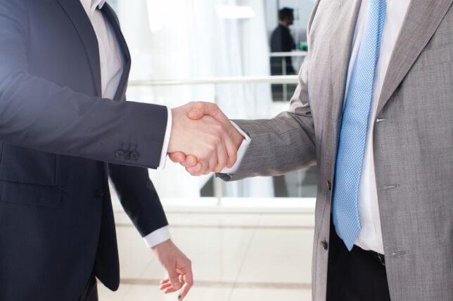 エージェントとの握手のイメージ