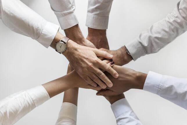 団結するイメージ