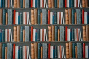 沢山の書籍のイメージ