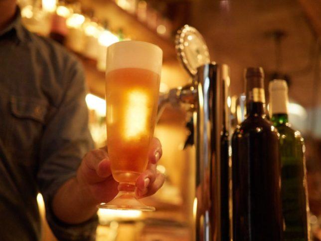居酒屋のビール