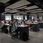 あなたは今、「受託開発/自社サービス」会社のどちらで働いてますか?|現役エンジニアにアンケート!
